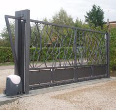 Cheap plan portail coulissant fer with vial portillon fer for Porte de garage vial menuiserie