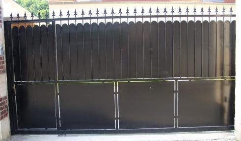 portail coulissant avec porte intégrée