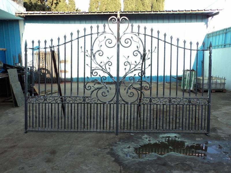 portail coulissant fer forgé