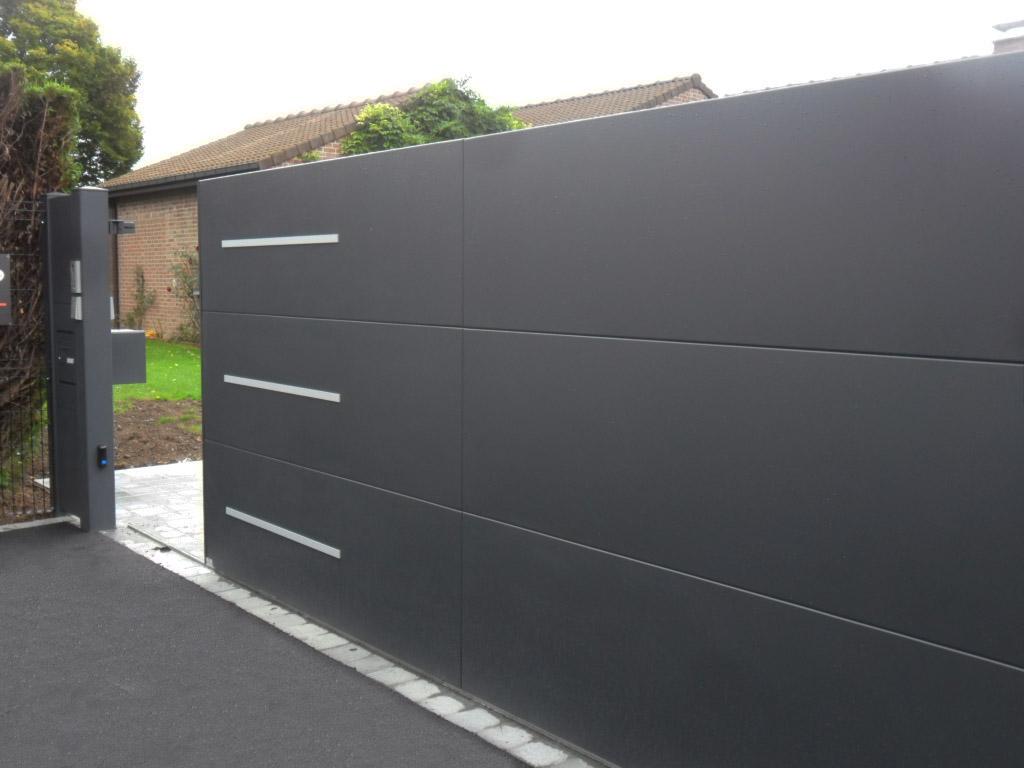 Neo10 portail coulissant cool cornov porte de garage for Porte de garage neo10